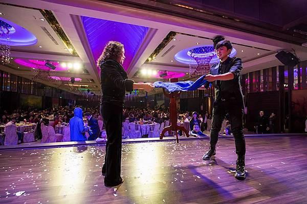 惠雙南北猴賽雷尾牙熱舞表演、魔術表演