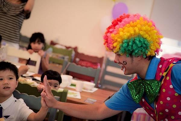 Alexander生日派對小丑表演、魔幻泡泡秀