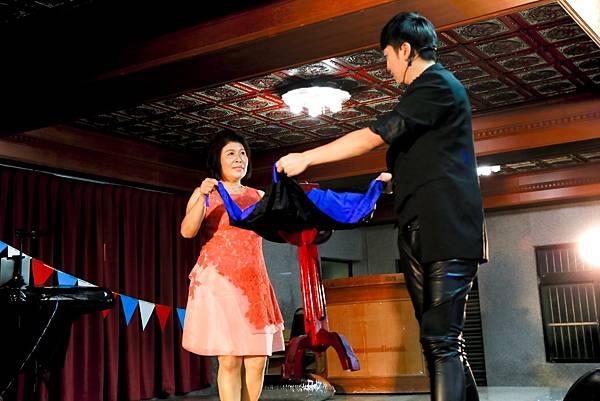 少東&靜琦魔幻婚禮會場佈置、魔術表演、小丑氣球、川劇變臉