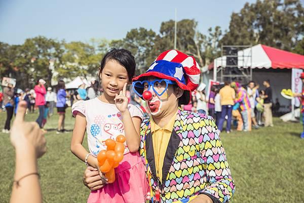 2016.11.06 南投-中興新村-Toyota路跑家庭日魔術表演、小丑舞台、氣球小丑、人入氣球、行動雕像、樂團主持