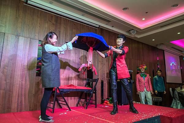 銳澤實業尾牙迎賓小丑、魔術表演、活動主持