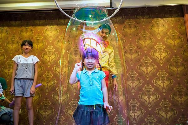 秀傳醫院晚宴魔術表演、魔幻泡泡秀、人入氣球、氣球小丑
