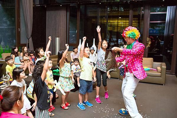2景雲見社區派對氣球小丑、魔術表演