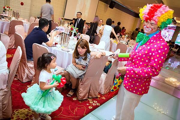 育地魔幻婚禮迎賓小丑、魔術表演