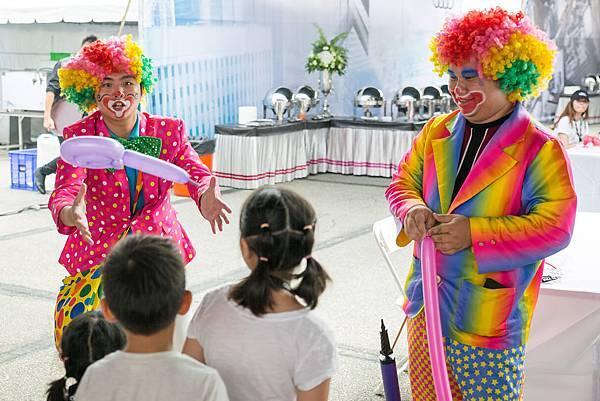 Audi家庭日氣球小丑、近距離魔術、雙人鋼鐵人