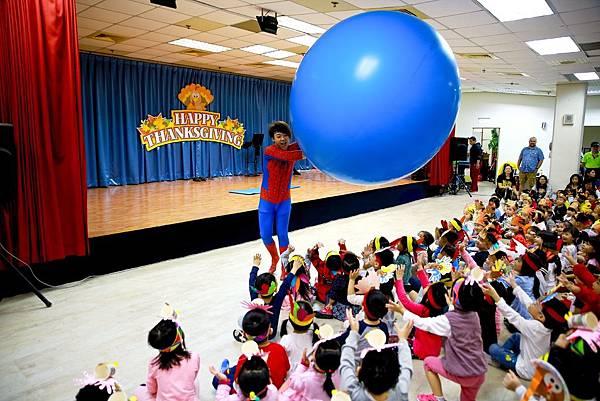 華盛頓國小人入大氣球、魔幻泡泡秀