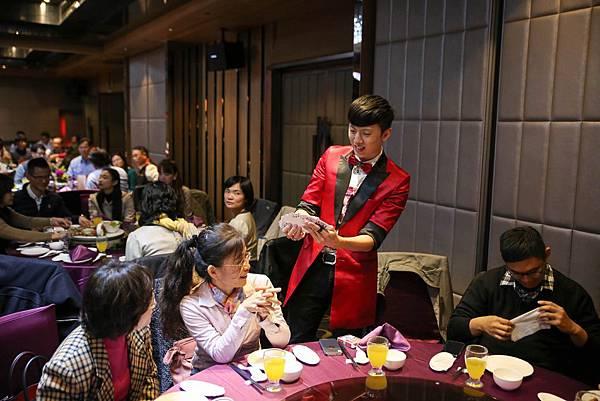 久樘開發晚宴主持人、桌邊魔術、川劇變臉