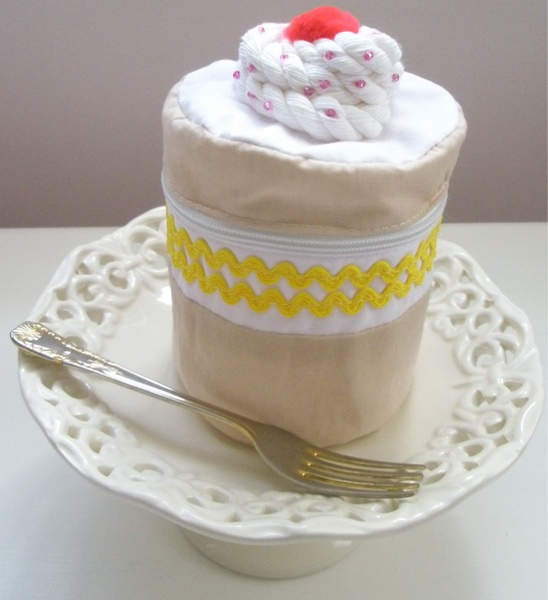 butter cream cake purse.jpg