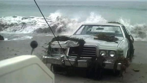 075從懸崖墜落的車.jpg