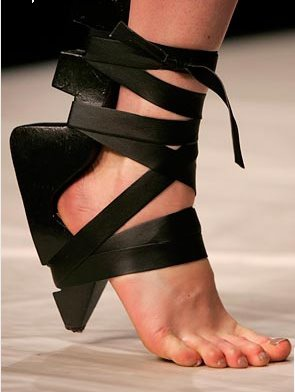 London design duo Maki Aminaka (Löfvander)and Marcus Wilmont(Aminaka Wilmont), introduced their sole-less shoes.jpg