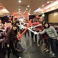 高雄OK超商旺年餐會尾牙主持+團康遊戲帶動主持+汽球佈置 (2).jpg