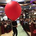高雄尾牙春酒主持人+魔術表演+舞團熱舞+人入大氣球#中宇環保 (11).JPG