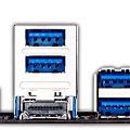較現代的 PC 整合式背板