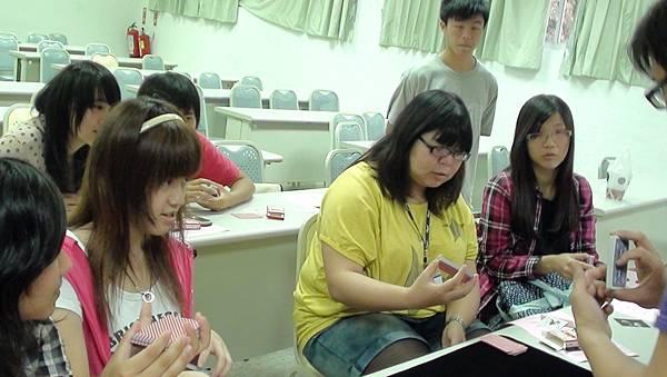 聚精會神學習^^.JPG