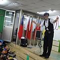 2011過港幼稚園重陽節兩百人魔術教學 (12).jpg