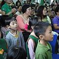 2011過港幼稚園重陽節兩百人魔術教學 (21).jpg