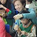 2011過港幼稚園重陽節兩百人魔術教學 (29).jpg