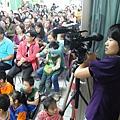 2011過港幼稚園重陽節兩百人魔術教學 (30).jpg