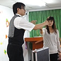 2011過港幼稚園重陽節兩百人魔術教學 (32).jpg