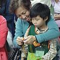 2011過港幼稚園重陽節兩百人魔術教學 (38).jpg