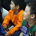 2011過港幼稚園重陽節兩百人魔術教學 (40).jpg