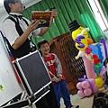2011過港幼稚園重陽節兩百人魔術教學 (41).jpg