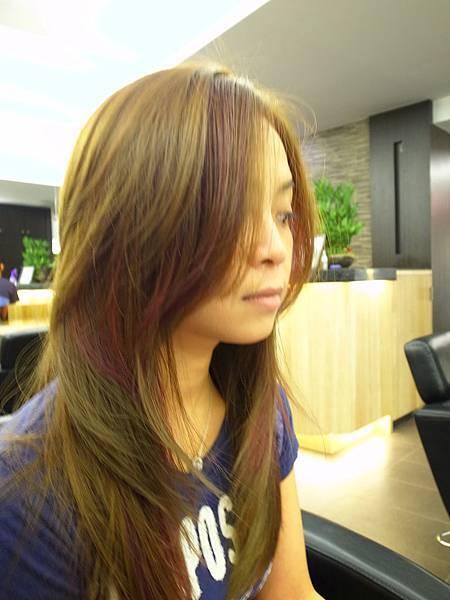 台北東區小隆染髮推薦。粉霧大地金沙色暈染粉紫光芒
