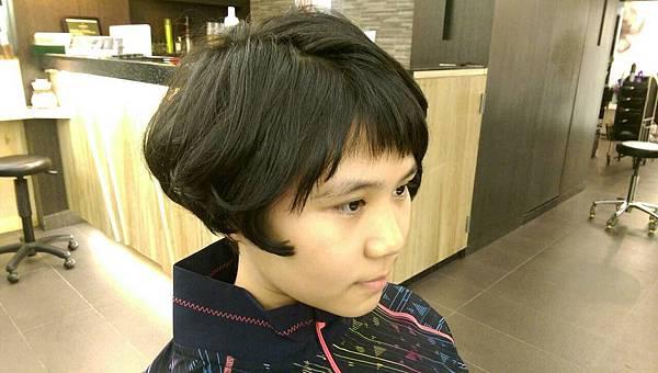 台北東區小隆剪髮推薦~艾蜜麗的異想世界