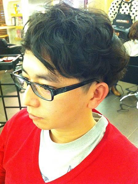 台北東區剪髮推薦小隆男性剪髮