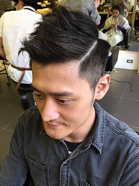 台北市.東區.剪髮.小隆男生髮型