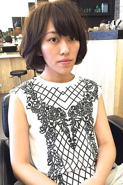 柔和感女性短髮.台北剪髮.東區剪髮