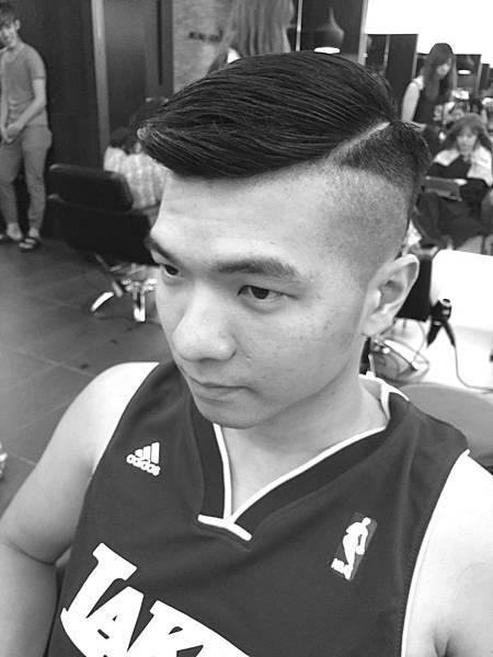 東區剪髮染髮小隆
