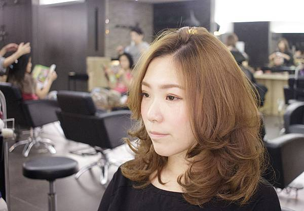 www.facebook.com/Magic-salon-魔髮小隆-933067986736760/?ref=hl