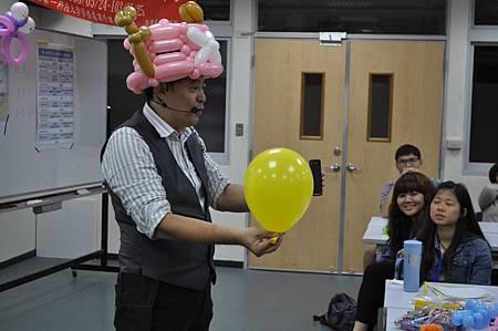 140524高雄第一科大造型汽球講師 (1).JPG