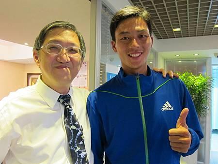 盧彥勳與溫崇凱醫師