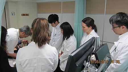 慈濟醫院與加拿大國際中醫學院跟診溫崇凱中醫師1