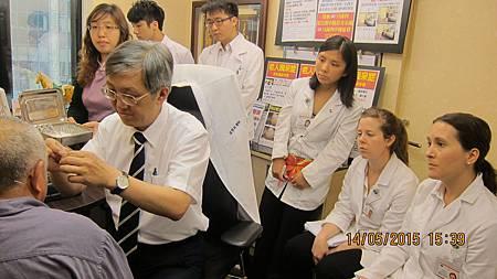慈濟醫院與加拿大國際中醫學院跟診溫崇凱中醫師