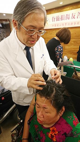 中華日報脊髓損傷溫崇凱中醫師.jpg