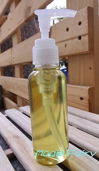 R0017448-深層潔淨卸妝油.jpg