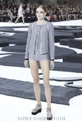 Chanel S/S 2011 : Karmen Pedaru