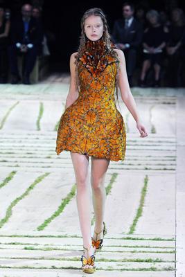 Alexander McQueen S/S 2011 : Frida Gustavsson