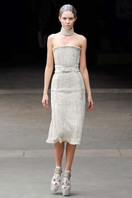 Alexander McQueen F/W 2011 - Josephine Skriver