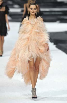 Chanel S/S 2011 : Carmen Kass