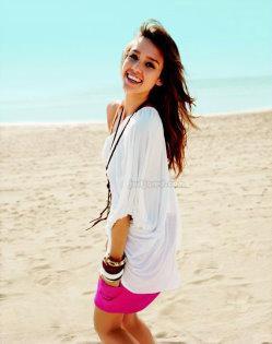 Seventeen  - Jessica Alba
