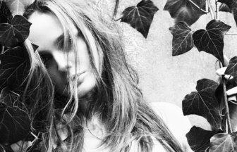Velvet 200805 - Lisa Cant