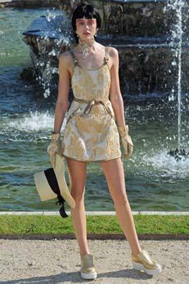 Chanel Cruise 2013 Versailles - Frida Gustavsson
