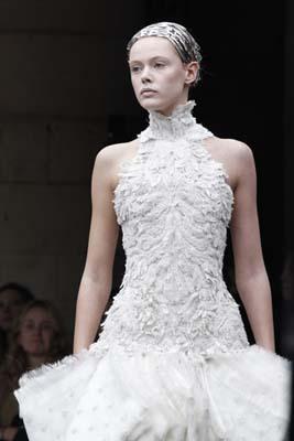 Alexander McQueen F/W 2011 - Frida Gustavsson