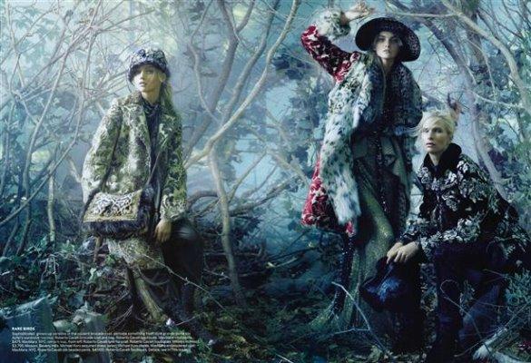 Vogue August 2010:Sasha Pivovarova, Caroline Trentini & Christina Kruse