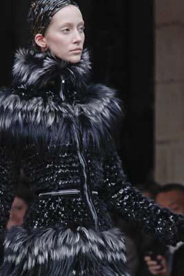 Alexander McQueen F/W 2011 - Alana Zimmer