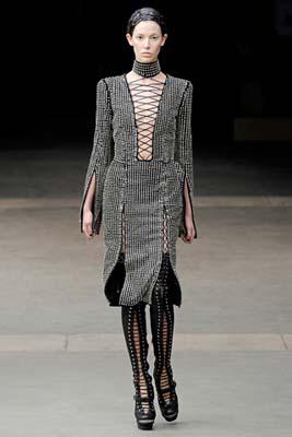 Alexander McQueen F/W 2011 - Ruby Aldridge